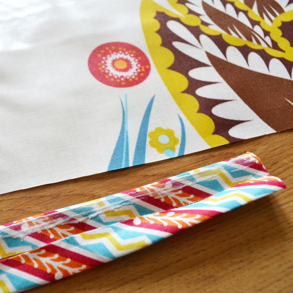 DIY No-Sew Splat Mat by The DIY Mommy