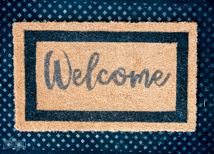 DIY Welcome Mat with Cricut & chalk paint