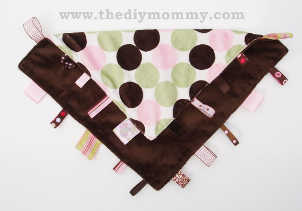 DIY RIbbon Loop Blanket by The DIY Mommy
