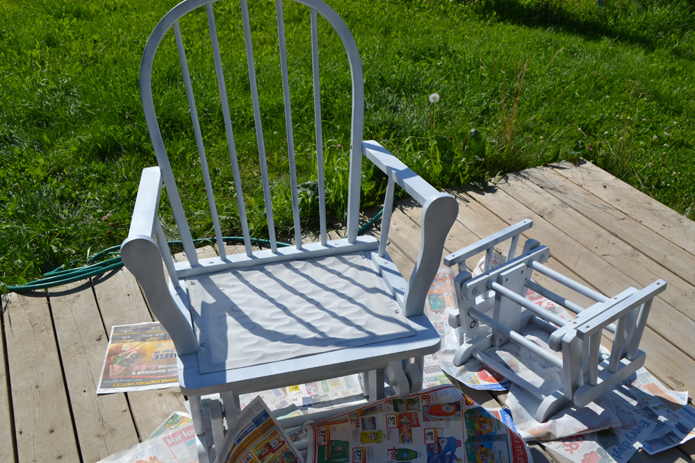 ... Update A Nursery Glider Rocking Chair By The DIY Mommy