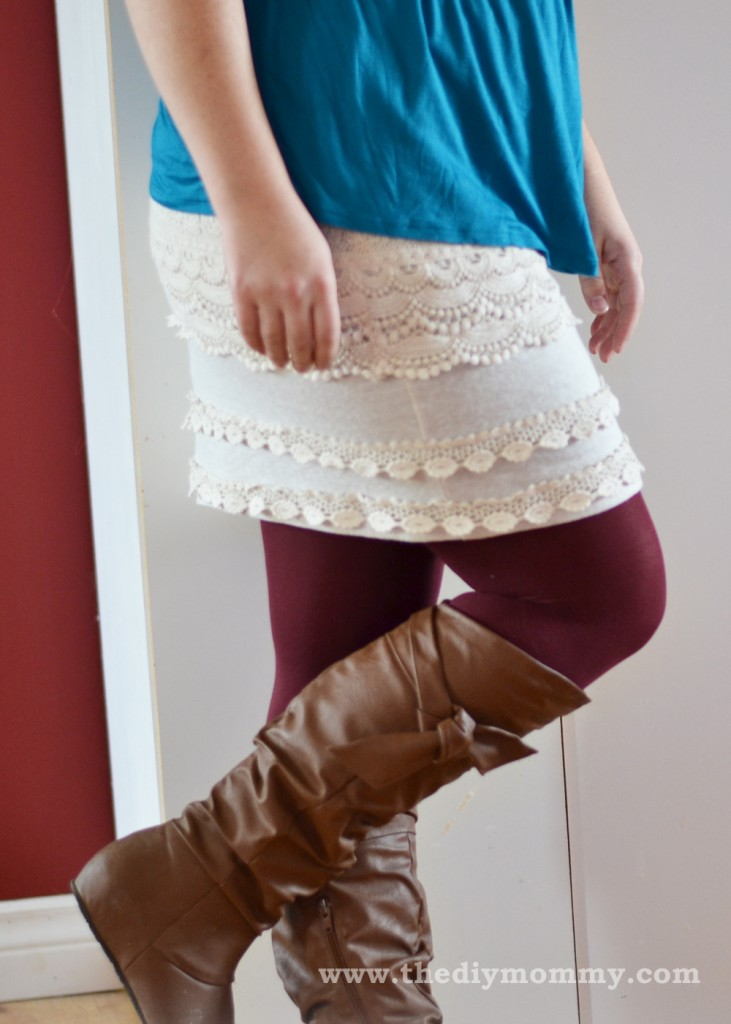 Wear Burgundy Tights for Fall - Petite Curvy Mom Style by The DIY Mommy