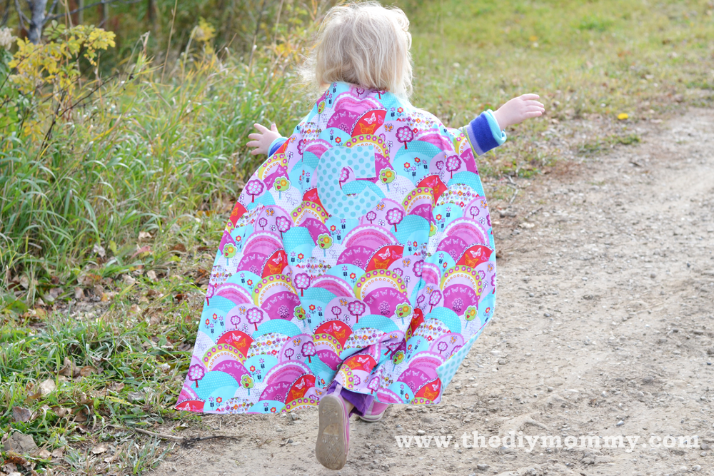 Sew a Monogrammed Superhero Cape by The DIY Mommy
