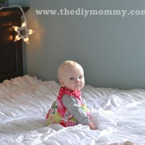 Make DIY Christmas Photo Backdrops with Twinkle Lights