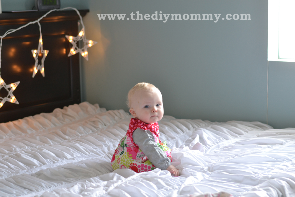Make Diy Christmas Photo Backdrops With Twinkle Lights The Diy Mommy