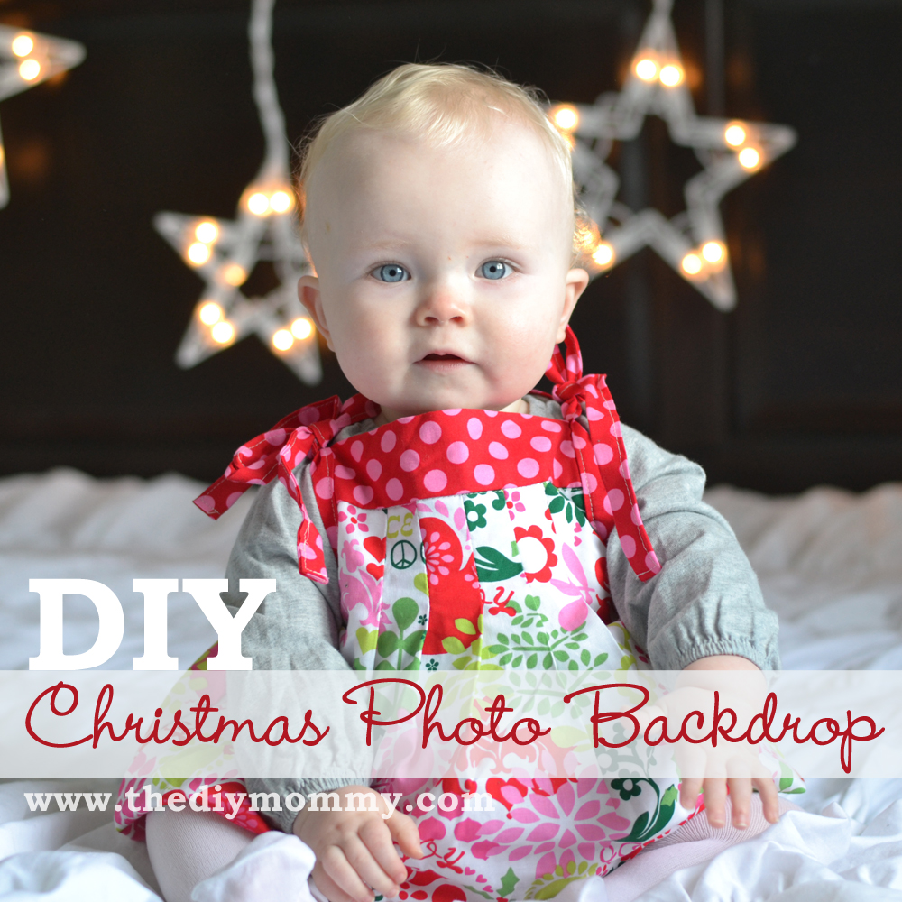 Make DIY Christmas Photo Backdrops with Twinkle Lights | The DIY Mommy