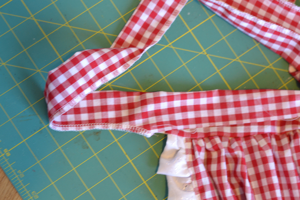 DIY Ruffle and Heart Apron by The DIY Mommy