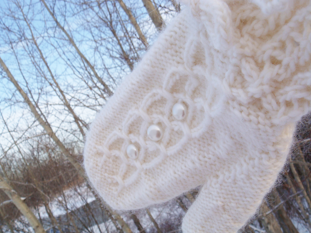 Pearly Girly Mittens by The DIY Mommy