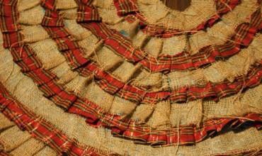 DIY No-Sew Ruffled Christmas Tree Skirt on The DIY Mommy