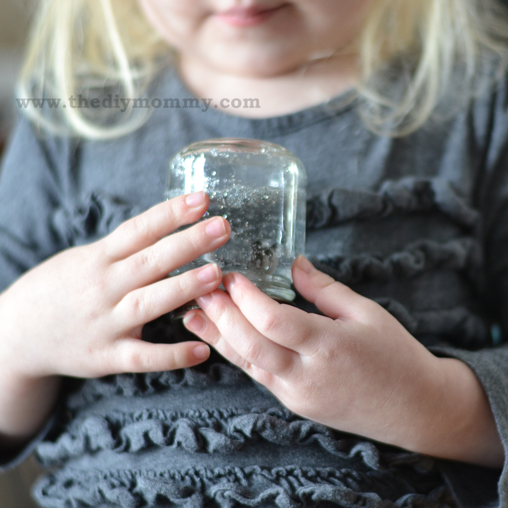 DIY Snow Globes by The DIY Mommy