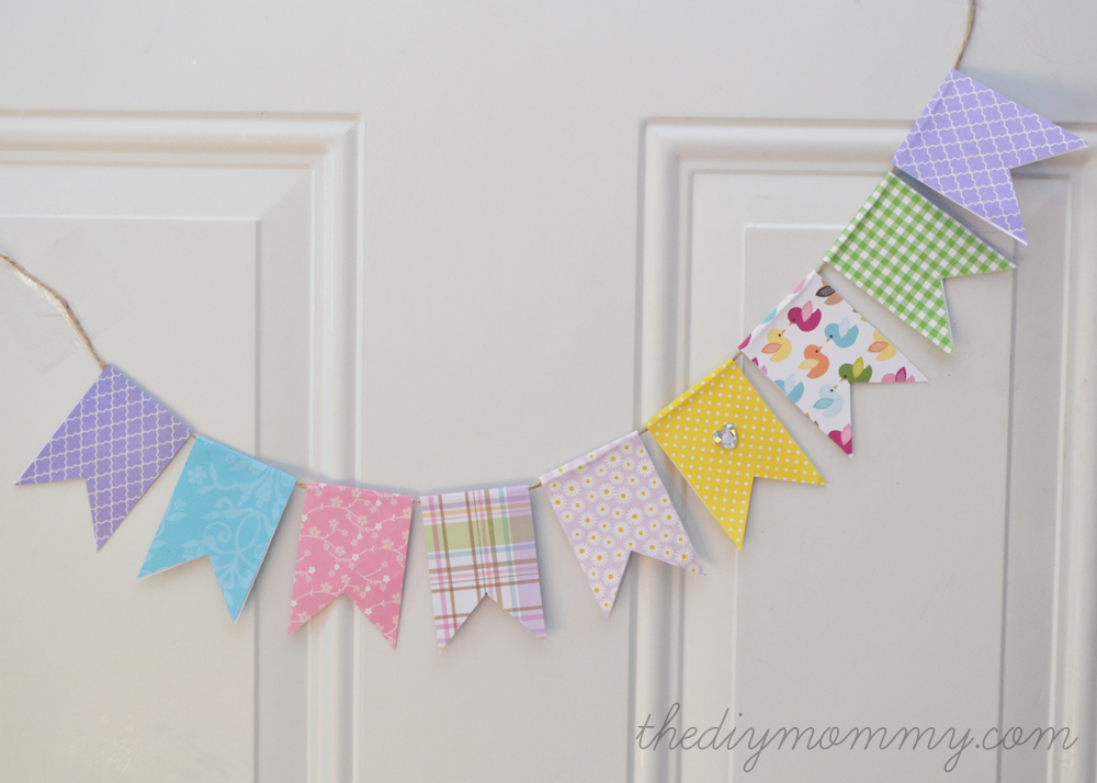 Make an Easy Spring Banner with Scrapbook Paper | The DIY Mommy