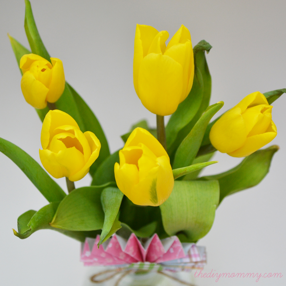 Make A Spring Flower Arrangement With Tulips And A Paper Medallion