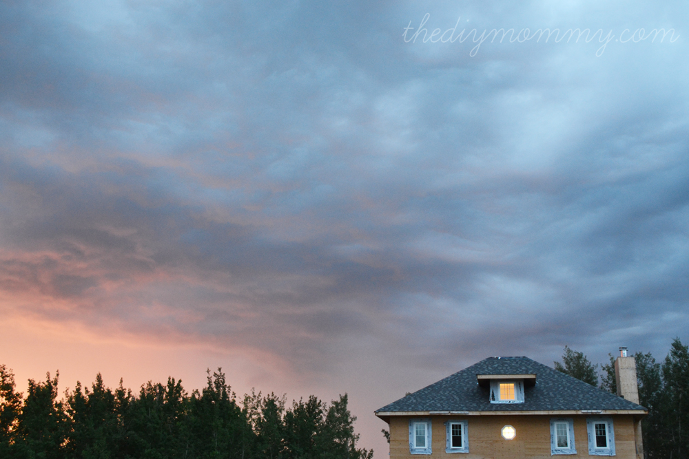 Wordless Wednesday: Ombre Clouds - The DIY Mommy