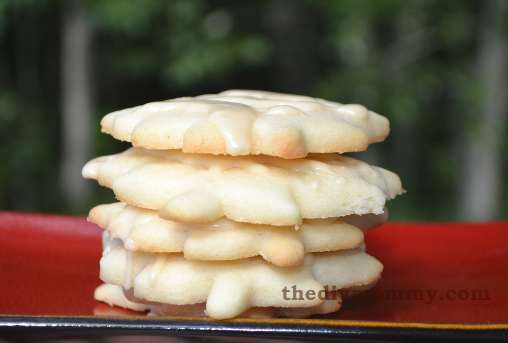 Sugar Cookies with Maple Syrup Glaze (A Canada Day Recipe) by The DIY Mommy