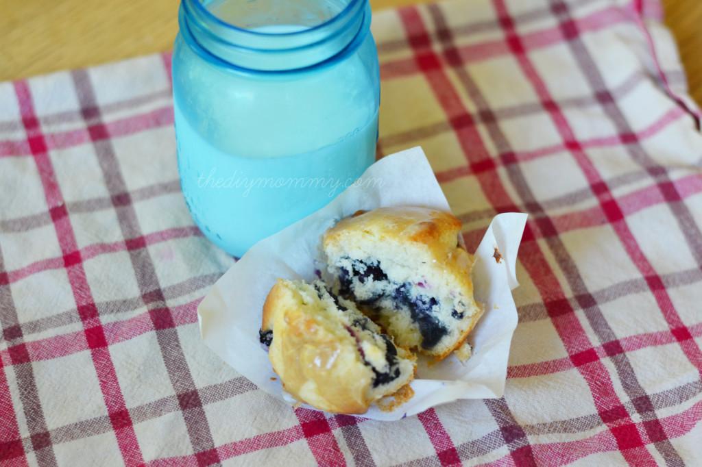 Blueberry Vanilla Muffins with Vanilla Brown Sugar Glaze - The DIY Mommy