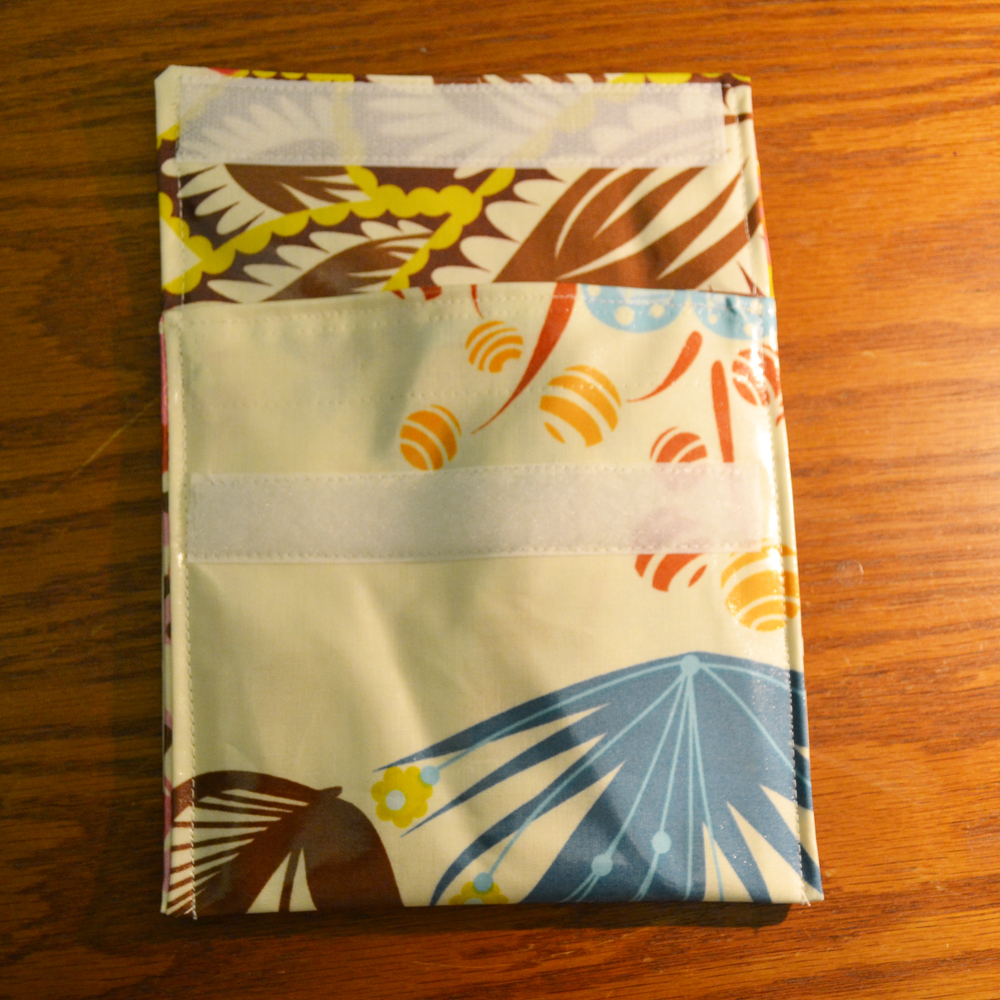 Sew an Easy Reusable Snack Bag in 15 Minutes! #backtoschool #DIYSew an Easy Reusable Snack Bag in 15 Minutes! #backtoschool #DIY