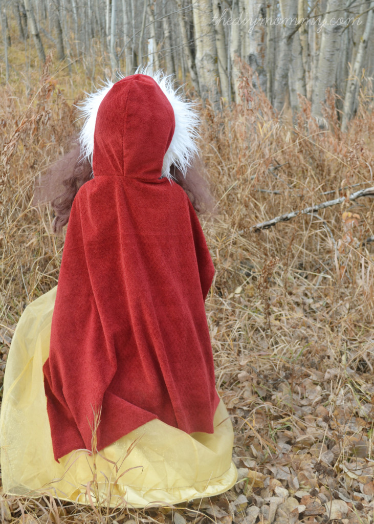 Winter-Belle-Cape---The-DIY-Mommy-2