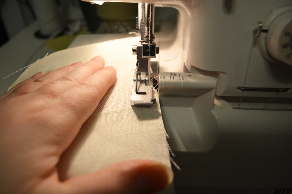 DIY Cloth Napkin Tutorial + How to Make a Rolled Hem with a Serger - The DIY Mommy