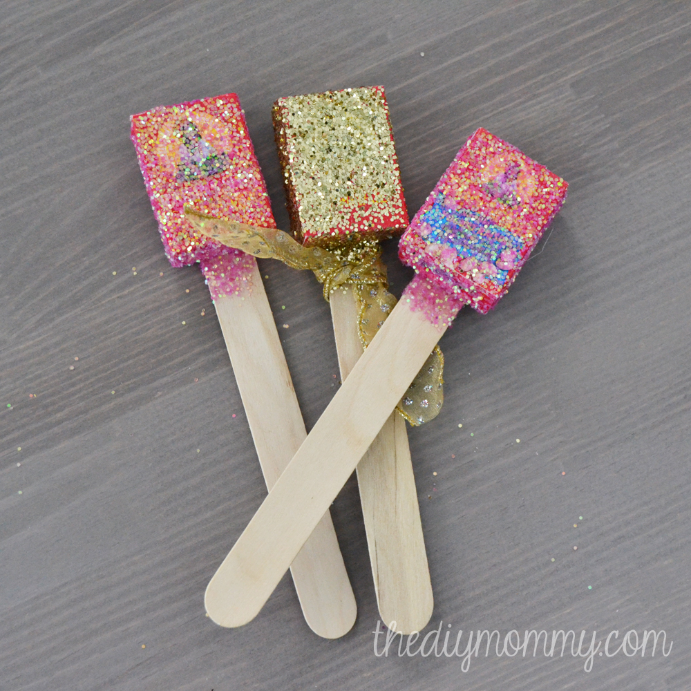 Glittery New Year's Noise Makers - The DIY Mommy
