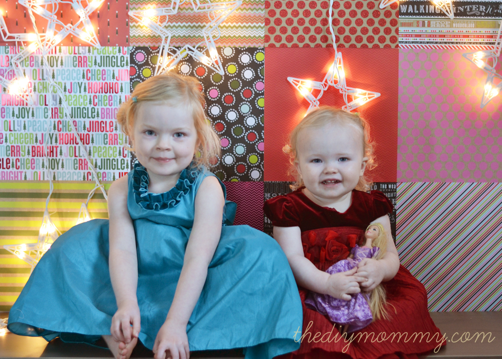 DIY Scrapbook Paper Christmas Photo Backdrop - The DIY Mommy