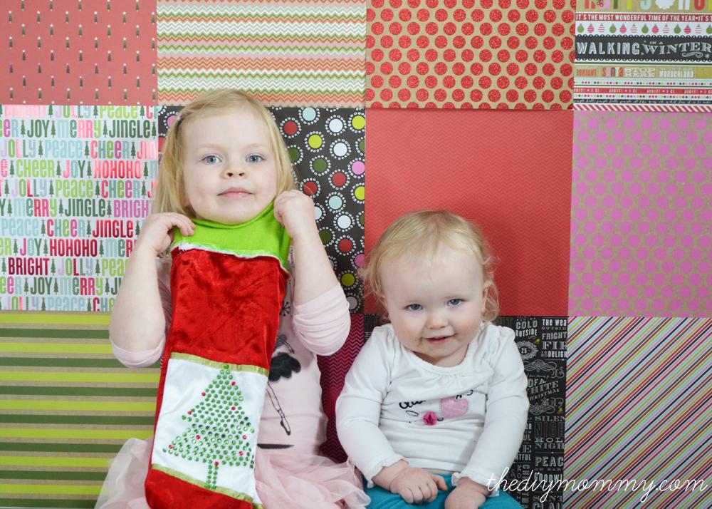 DIY Scrapbook Paper Christmas Photo Backdrop - The DIY Mommy