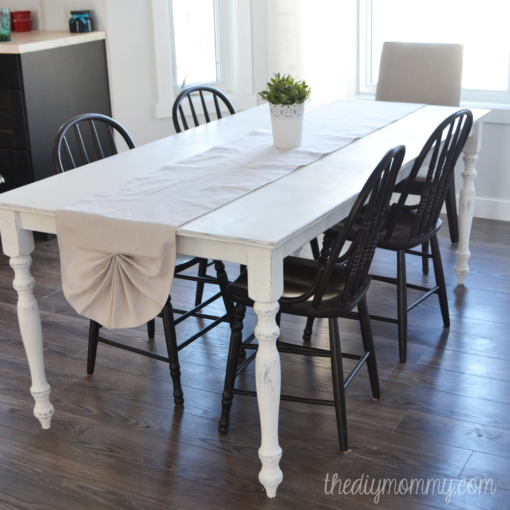 sew a shabby chic pleated table runner from a drop cloth the diy mommy. Black Bedroom Furniture Sets. Home Design Ideas