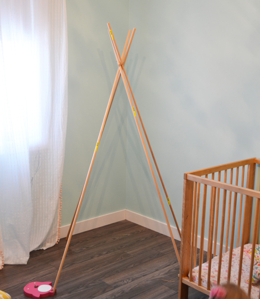 DIY Teepee Play Tent Tutorial by The DIY Mommy & Sew a DIY Teepee Play Tent | The DIY Mommy