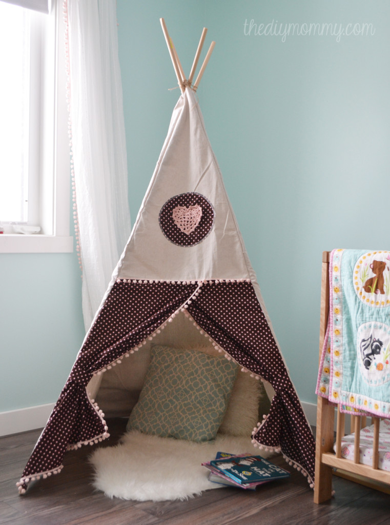 sew a diy teepee play tent. Black Bedroom Furniture Sets. Home Design Ideas