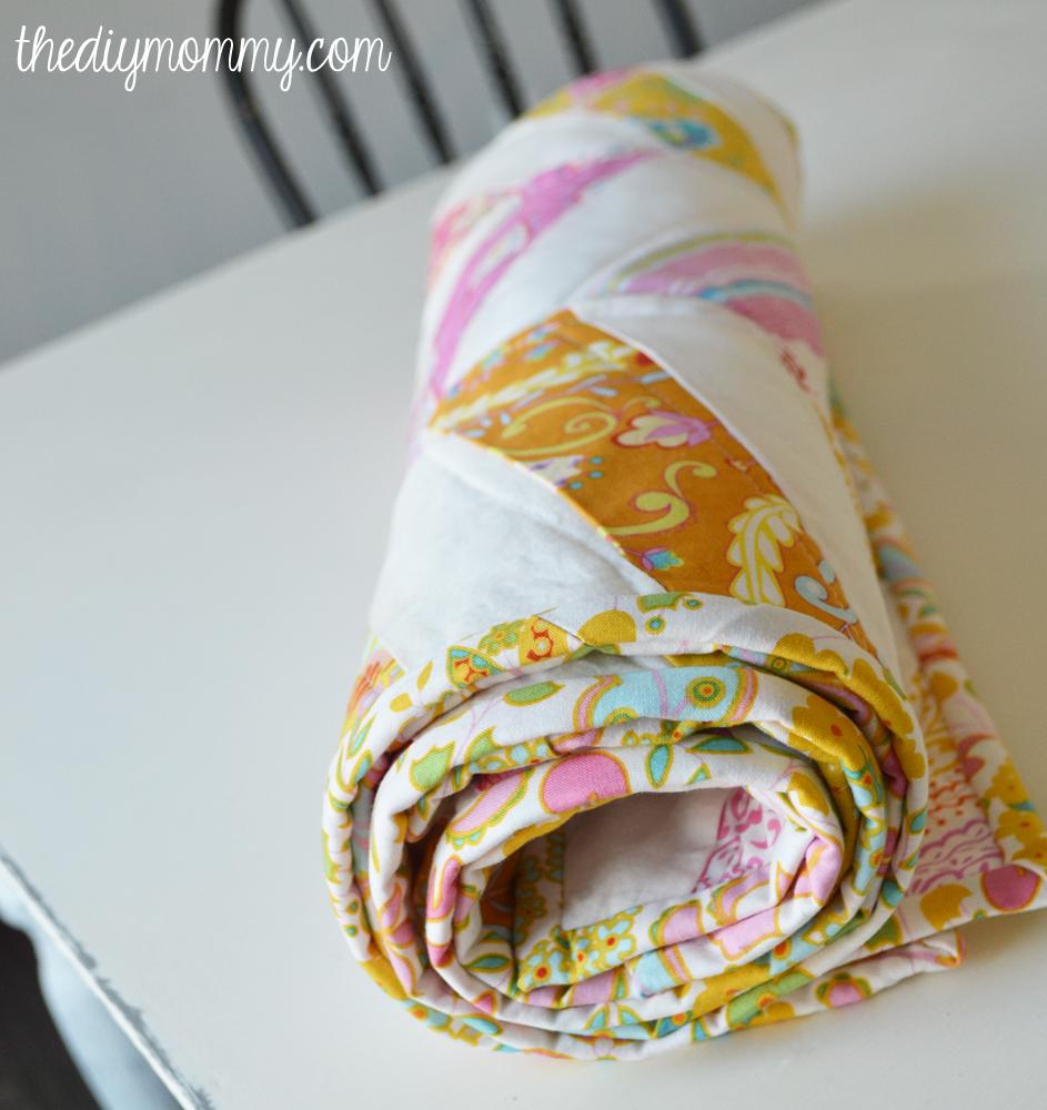 DIY Herringbone / Chevron Baby Quilt Tutorial - The DIY Mommy