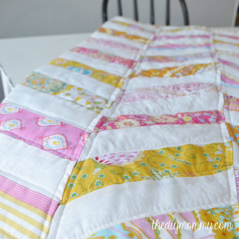 DIY Herringbone / Chevron Baby Quilt Tutorial - The DIY Mommy