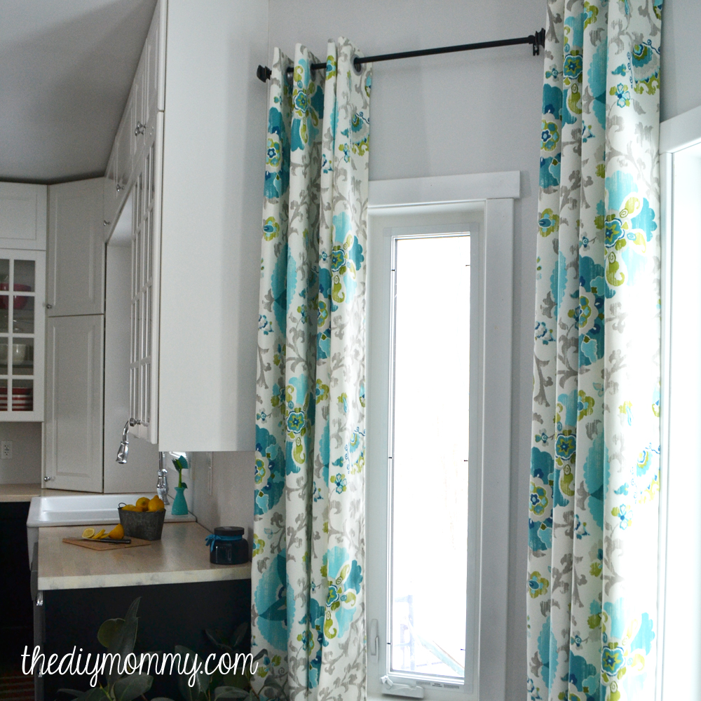 How to Sew DIY Grommet Topped Drapes