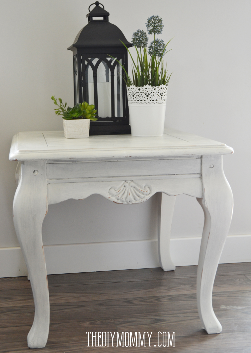 make diy dark or coloured wax my upcycled side table the diy mommy. Black Bedroom Furniture Sets. Home Design Ideas