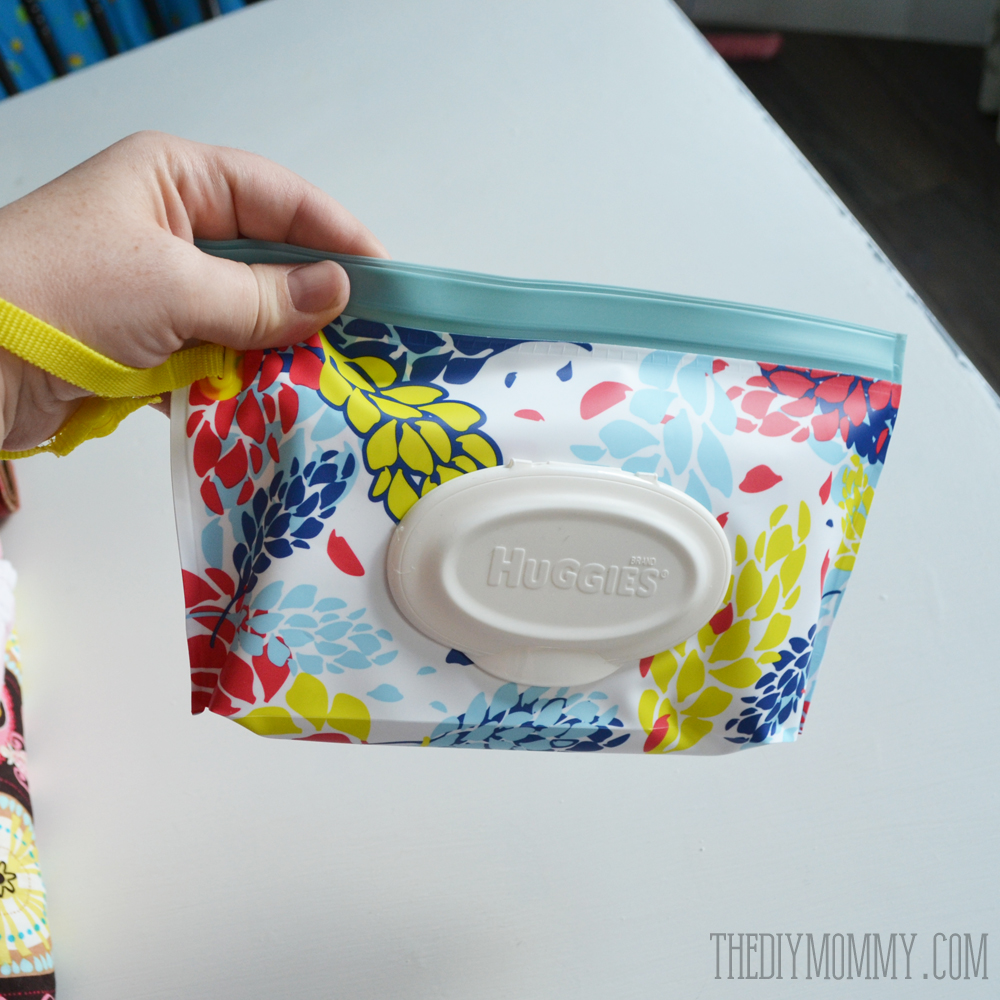 Huggies Clutch 'n' Clean stylish baby wipes