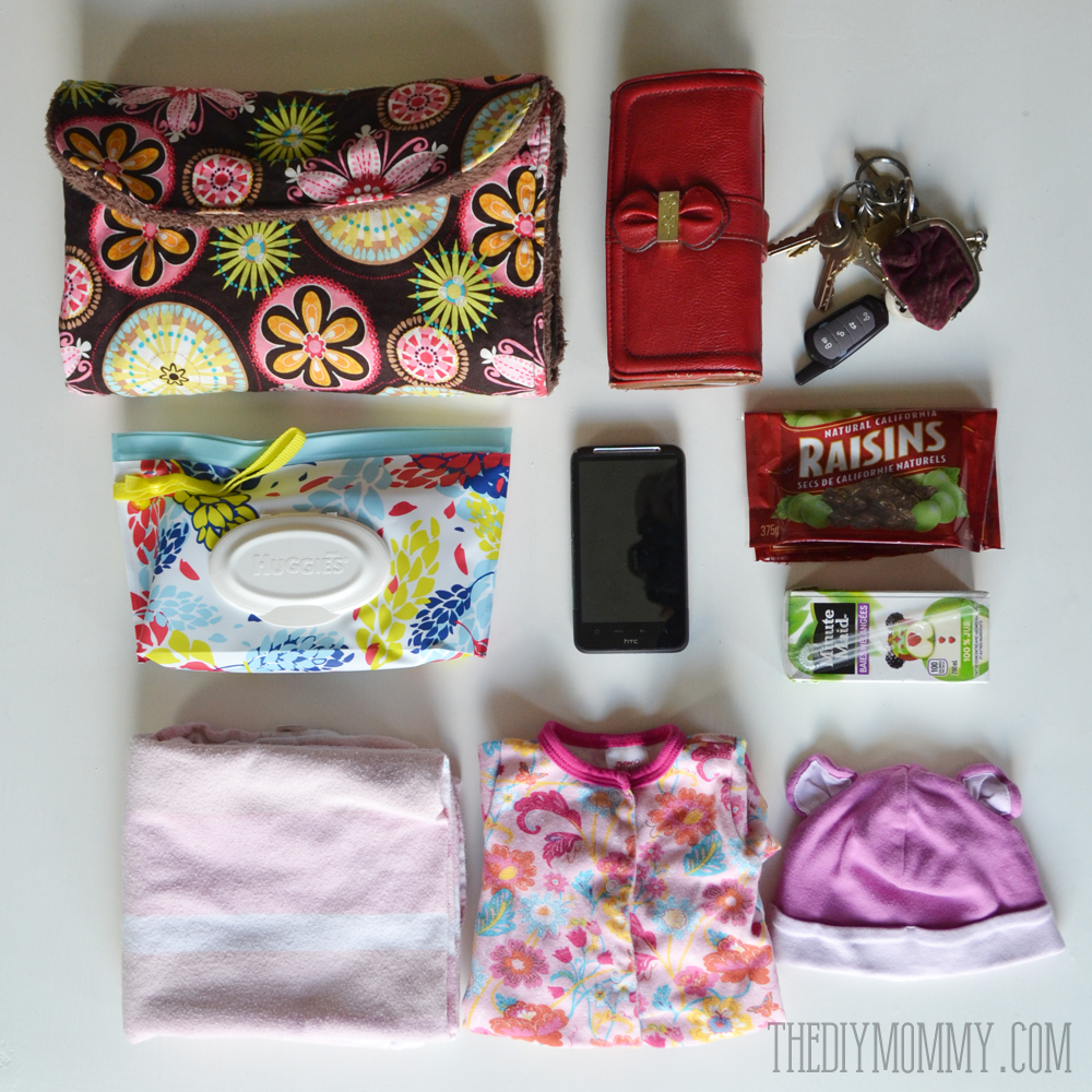In My Diaper Bag Huggies Clutch 'n' Clean stylish baby wipes