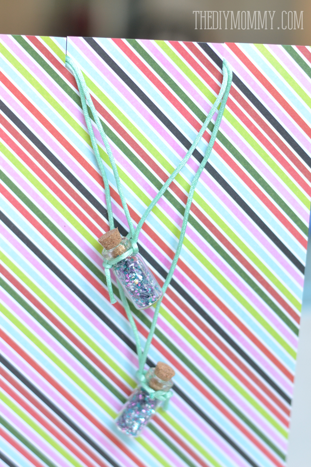 photograph about Jitter Glitter Poem Printable called Do it yourself Jitter Glitter Necklace Again in the direction of Faculty Present + Absolutely free