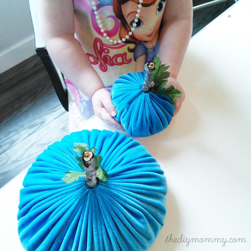 DIY Velvet Pumpkins Decorations