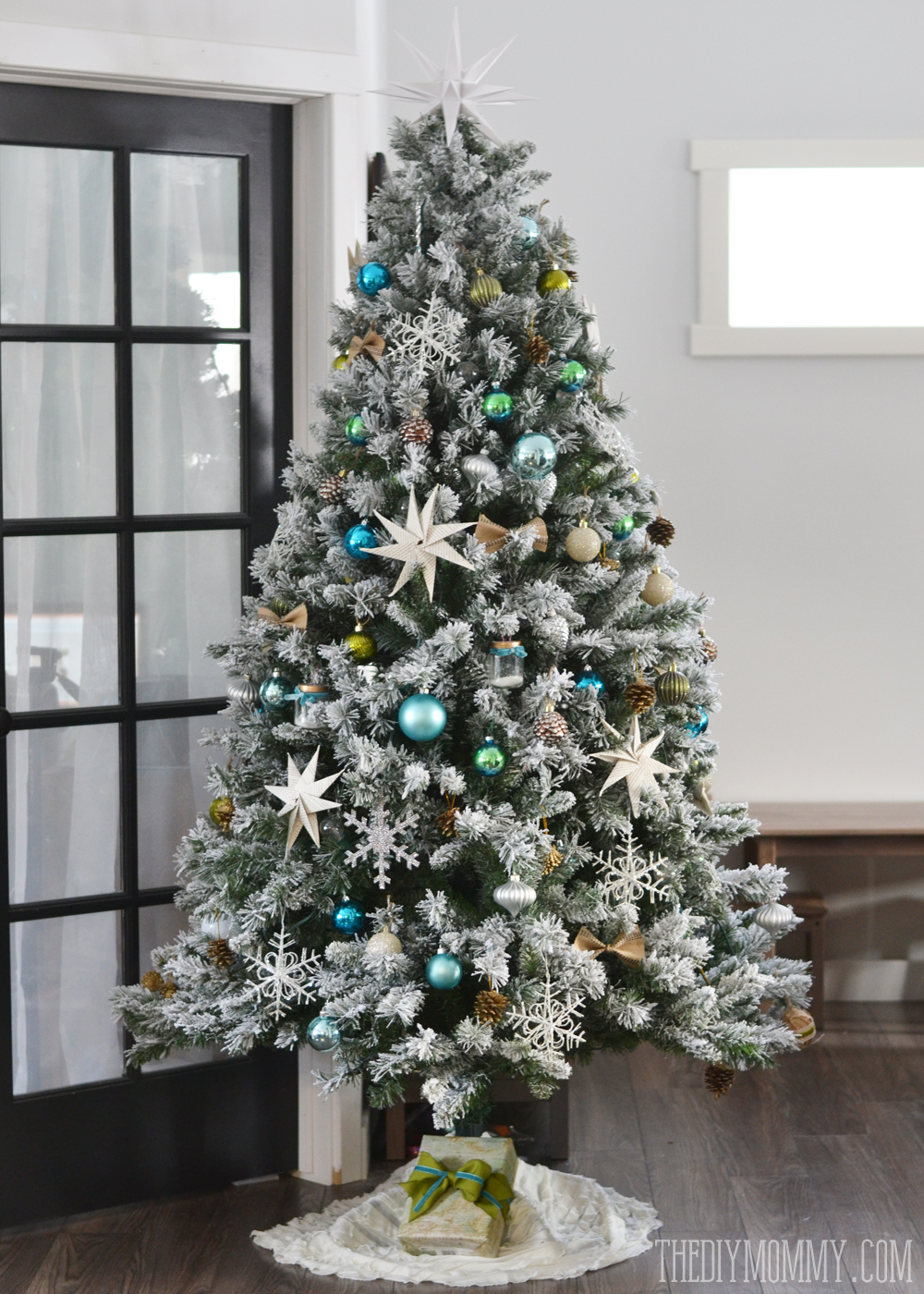 Our Teal, Green, Silver and White Vintage Inspired Flocked Christmas Tree | The DIY Mommy