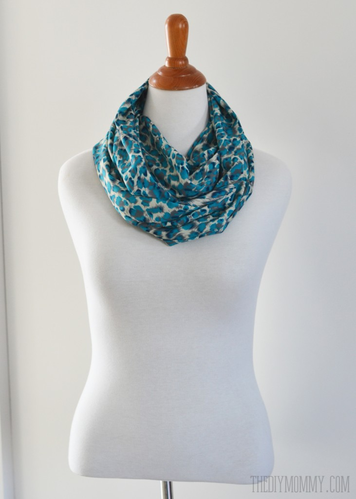 How to make a 15 minute infinity scarf - free tutorial and video