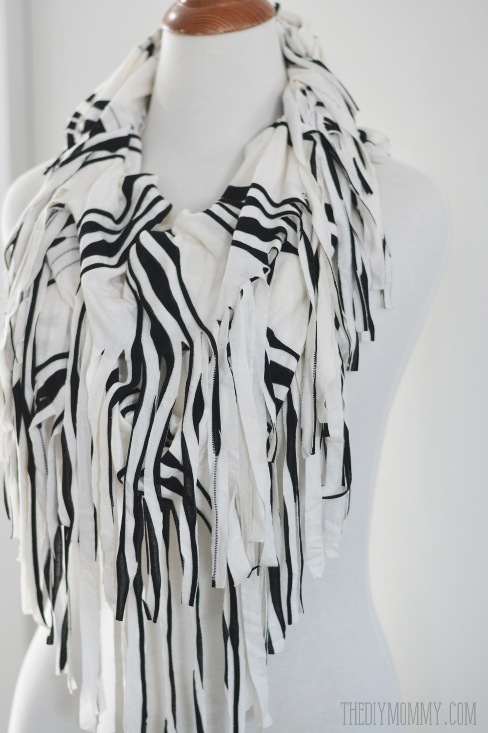 Make an Easy Fringed Infinity Scarf | The DIY Mommy