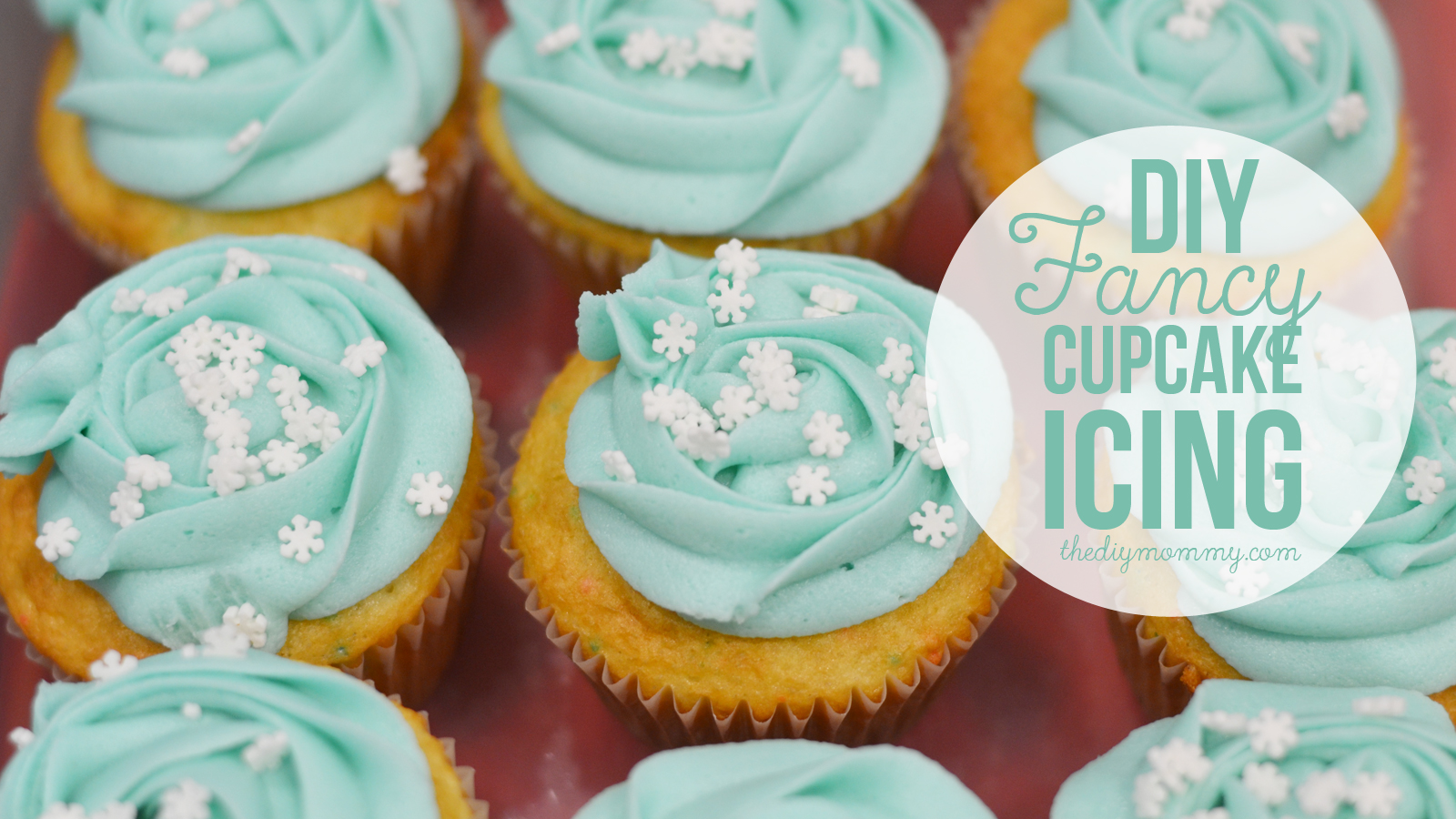 Video: How to make fancy iced cupcakes in 4 seconds or less!