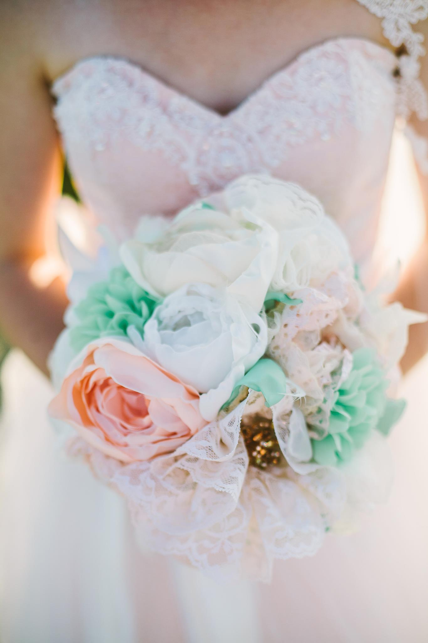 Букет невесты из пионов из атласных лент своими руками