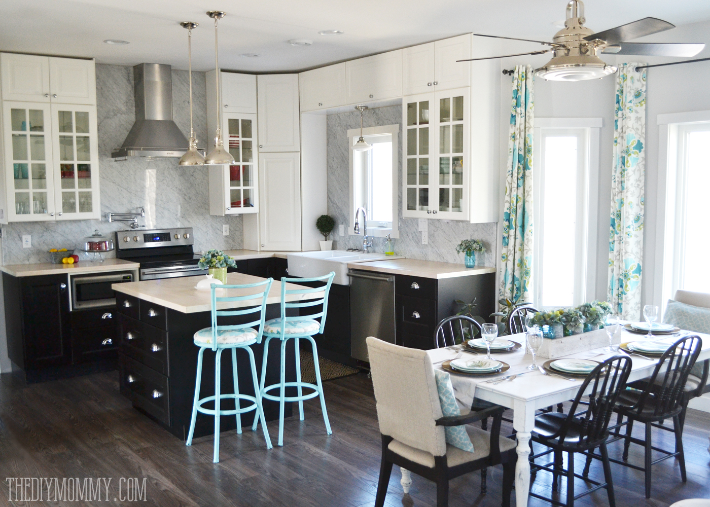 Our diy house 2015 home tour the diy mommy for Black industrial kitchen