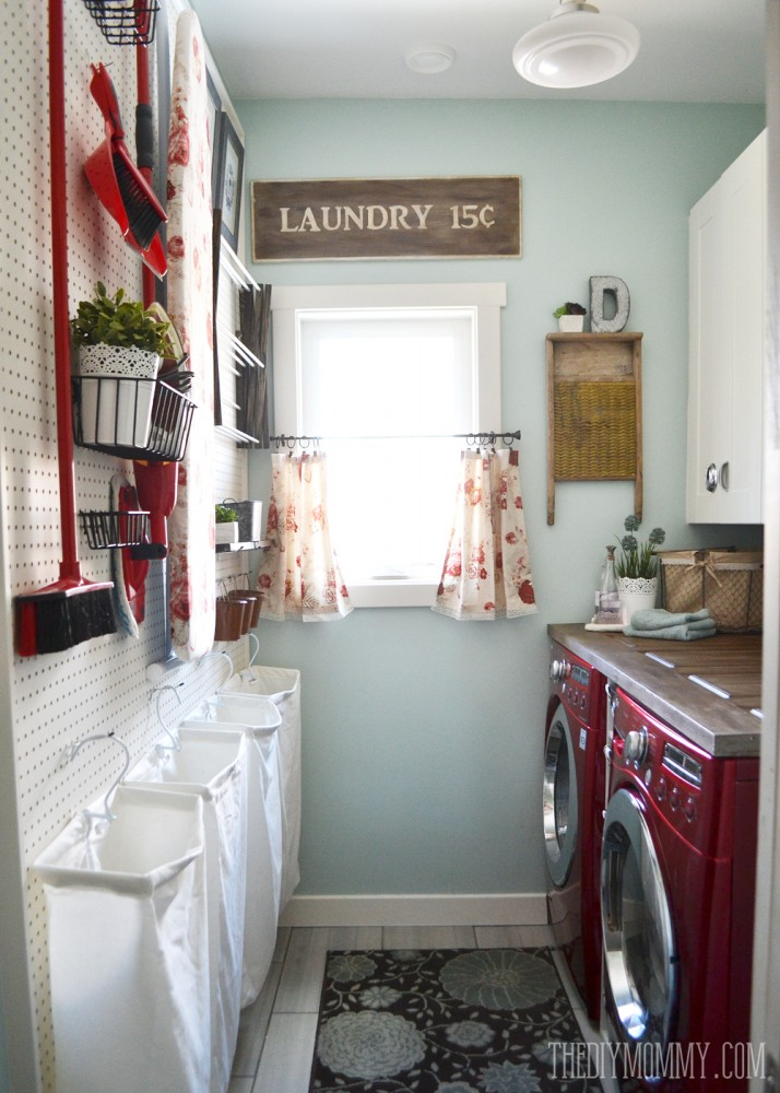Vintage Red And Aqua Small Laundry Room Design Ideas The