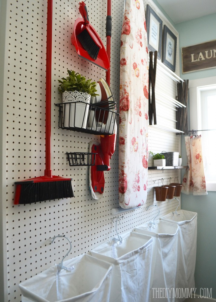 Vintage-Red-Aqua-Pegboard-Laundry-Room-Design-Ideas-7 ...