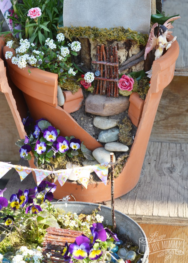 Easy Inexpensive Fairy Garden A Broken Pot Some Props Made Of Sticks