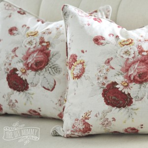 Sew a Piped & Zippered Pillow Cover (Video Tutorial)
