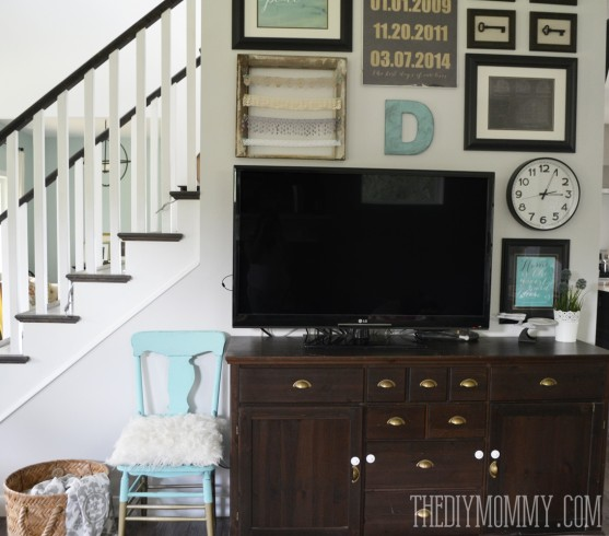 Turquoise, Black & White TV Gallery Wall