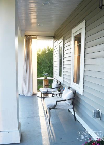 Country Farmhouse Porch Decor Ideas With A Boho Twist