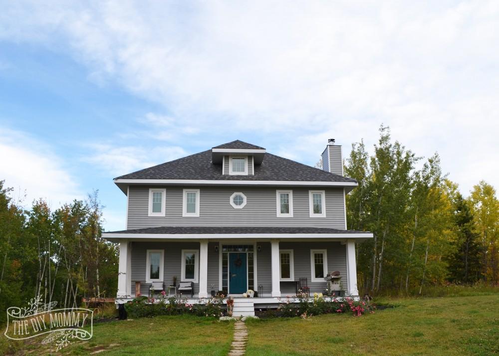 Foursquare home in Alberta, Canada in the Fall