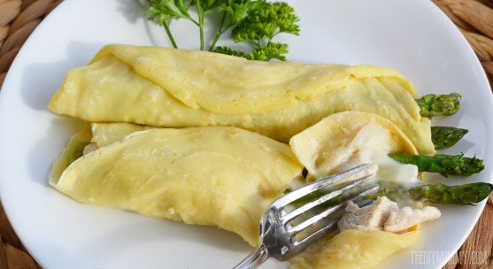 How to make chicken asparagus crepes - light and yummy idea for supper!