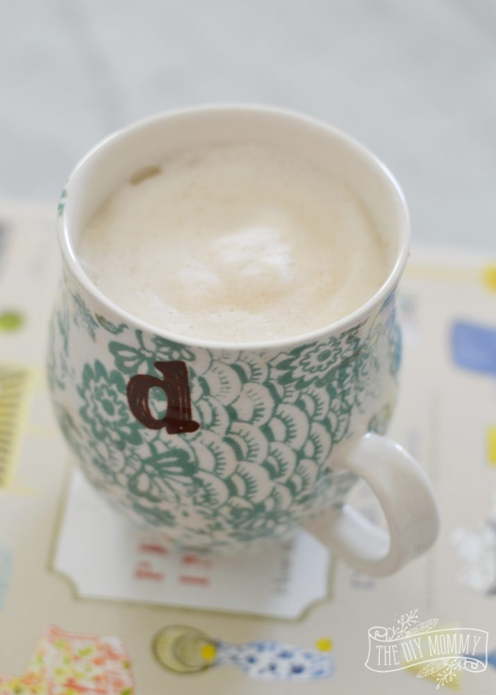 How to make a DIY maple London Fog (an Earl Grey latte) thediymommy.com